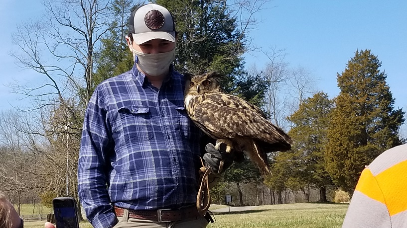 Earthquest Inc nonprofit birds of prey programs feature owls, vultures, eagles, and more